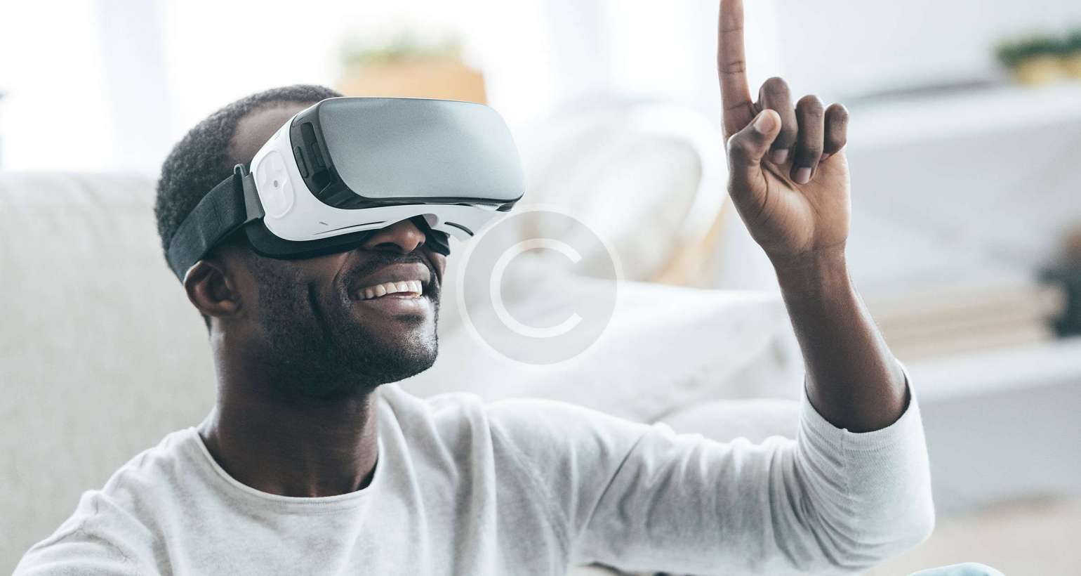 Advantages & Disadvantages of Virtual Reality